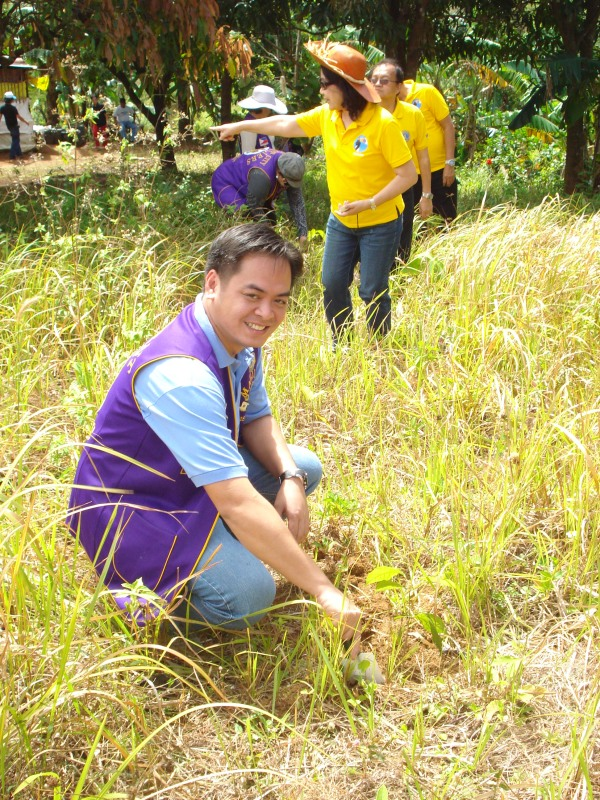 Tree Planting Project by  Lions clubs in the Philippines and Korea