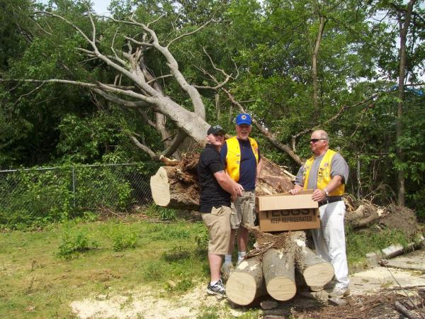 Lions Clubs Provide Disaster Relief in Southern U.S.